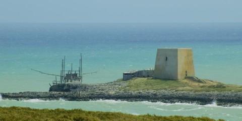 Trabucco e Torre costiera a Vieste